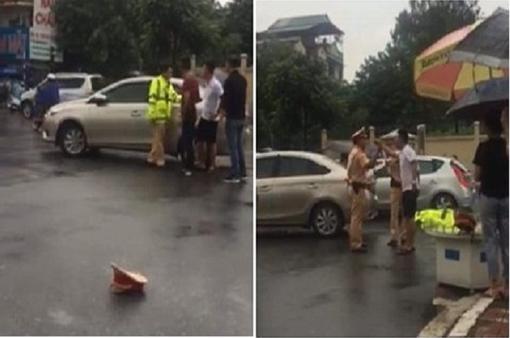 Khởi tố tài xế dùng gậy golf tấn công CSGT Hà Nội