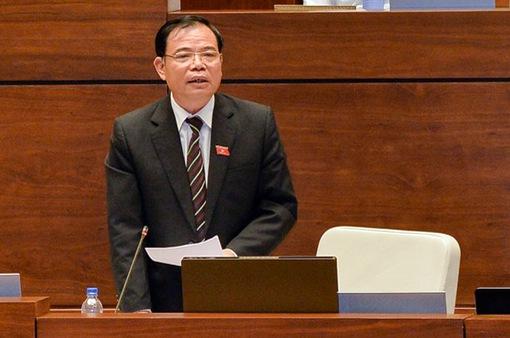 """Đại biểu tranh luận về khủng hoảng thịt lợn và điệp khúc """"được mùa mất giá"""" với Bộ trưởng Nguyễn Xuân Cường"""