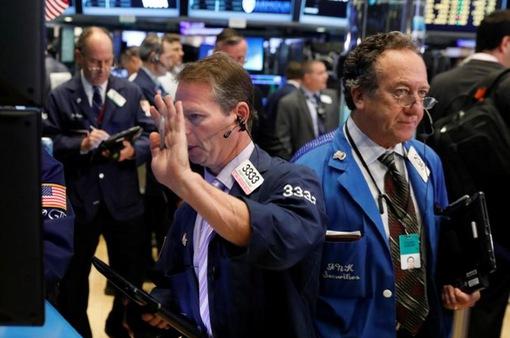 Nhà đầu tư Mỹ giao dịch cầm chừng sau một tuần sóng gió