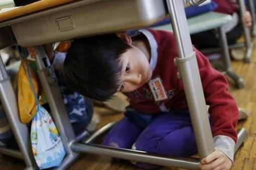 Nhật Bản phát hành cẩm nang hướng dẫn tự vệ khi bị tấn công hạt nhân