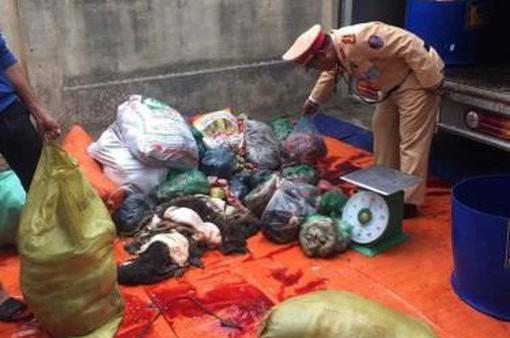 Thanh Hóa: Thu giữ gần gần 650 kg thịt, nội tạng trâu bò bốc mùi