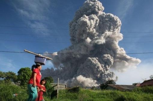 Indonesia: Hơn 34.000 người sơ tán đề phòng núi lửa phun trào tại đảo Bali