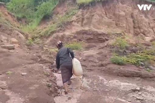 Vùng cao Quảng Trị gần 10 năm thiếu nước sinh hoạt