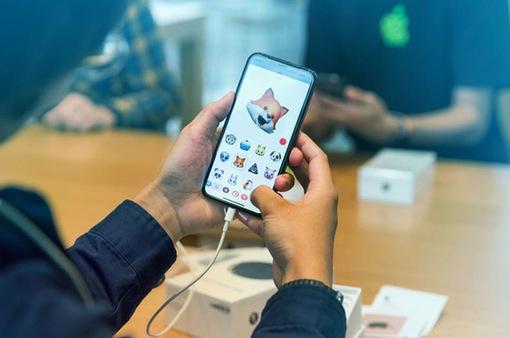 Đối phó với hàng chính hãng, iPhone X xách tay giảm giá sâu