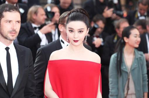 Phạm Băng Băng nổi bật giữa dàn mỹ nhân trên thảm đỏ Cannes