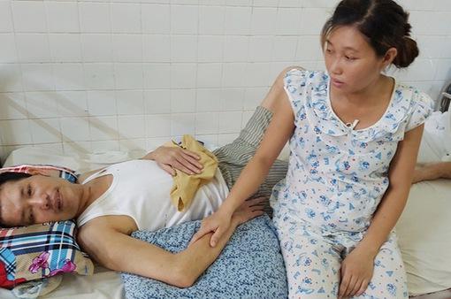 Vợ cầm đến 5 sổ đỏ vẫn chưa cứu được chồng bị chấn thương sọ não