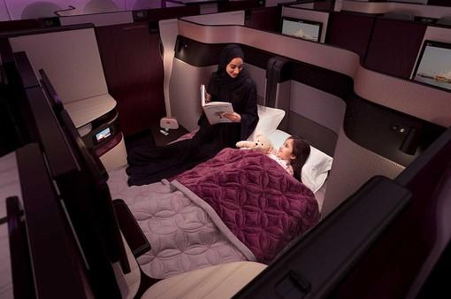 Hãng hàng không đầu tiên có giường đôi ở khoang thương gia