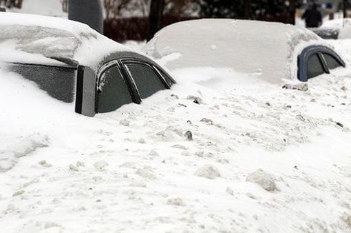 Gió lớn, tuyết dày ảnh hưởng nghiêm trọng đời sống người dân châu Âu