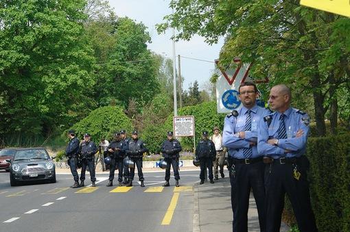Kyrgyzstan và Thụy Sĩ bắt giữ nhiều nghi can khủng bố