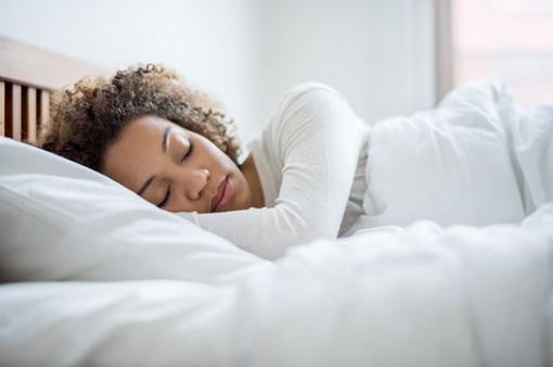 Café Sáng với VTV3: Khởi động ngày mới với bài tập thể dục trên... giường