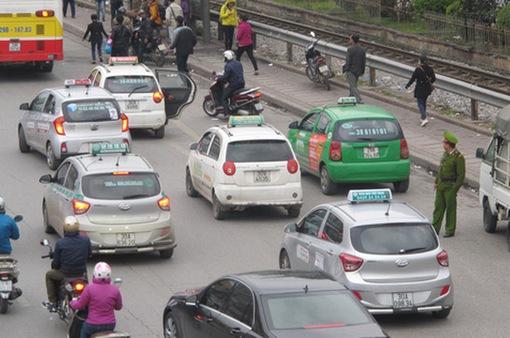 Taxi Hà Nội sẽ có màu sơn mới và được quản lý theo vùng