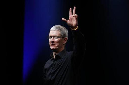 Tim Cook xuất hiện tại buổi mở bán iPhone 8
