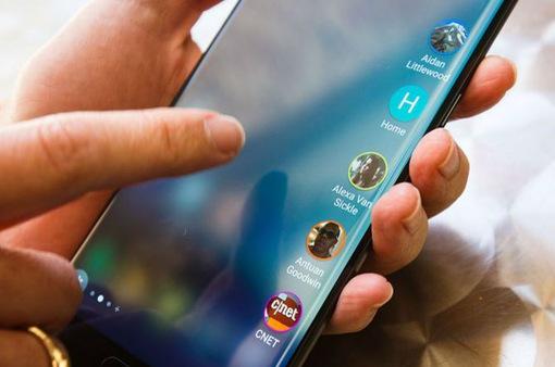 """Không phải iPhone, Galaxy S8+ là smartphone """"móc túi"""" người dùng giỏi nhất"""