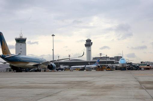Giá dịch vụ hàng không sắp tăng mạnh