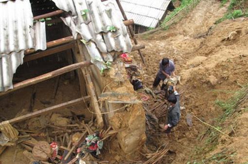 Sạt lở đất ở Yên Bái khiến một người chết