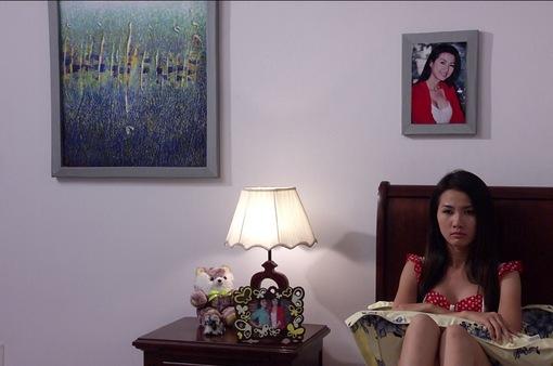 Phim Thảm đỏ - Tập 10: Quỳnh (Phan Thị Mơ) ghen tức với Hằng (Hoàng Oanh) vì được Dũng (Lương Thế Thành) yêu