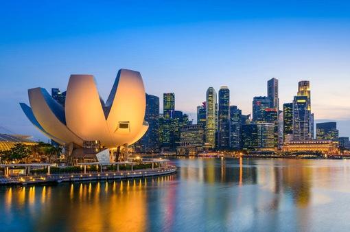 Singapore bất ngờ tăng trưởng vượt kỳ vọng