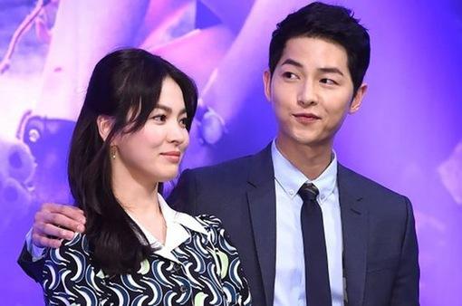 """Mải theo dấu bộ đôi Song Joong Ki - Song Hye Kyo, một chương trình nhận """"trái đắng"""""""