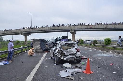 Tai nạn giao thông trên cao tốc Hà Nội-Hải Phòng khiến 3 người thương vong