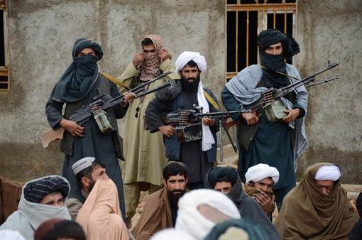 Taliban tấn công căn cứ quân sự tại Afghanistan gây thương vong lớn