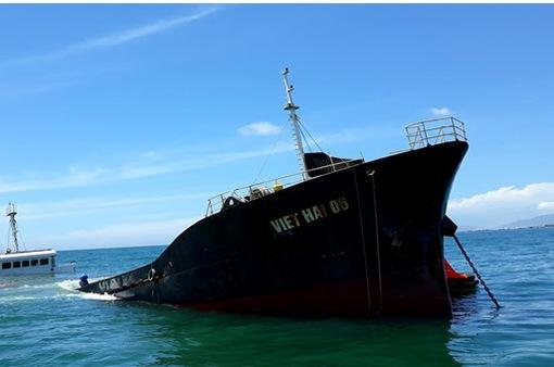 Khẩn trương cứu hộ tàu chở hơn 3.000 tấn hàng bị chìm trên vùng biển Ninh Thuận