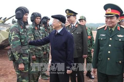 Tổng Bí thư kiểm tra công tác huấn luyện, sẵn sàng chiến đấu của quân đội