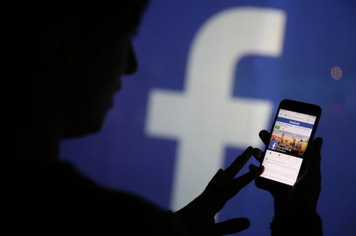 Cha quay trực tiếp Facebook cảnh giết con gái rồi tự tử tại Thái Lan