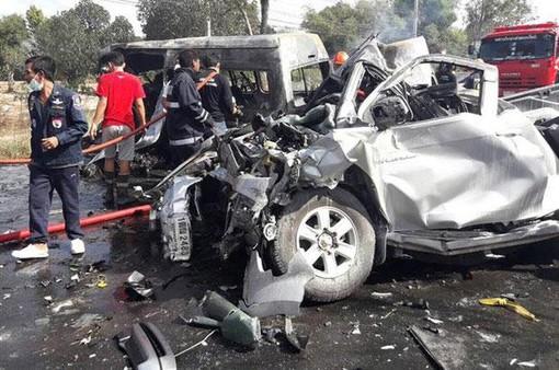 TNGT nghiêm trọng tại Thái Lan, ít nhất 13 người thiệt mạng