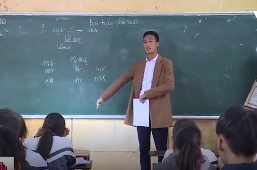 Vượt gần 100km dạy học cho trẻ em nghèo
