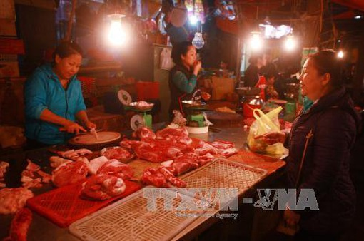 """Đồng Nai bắt đầu """"giải cứu"""" thịt lợn cho người chăn nuôi"""