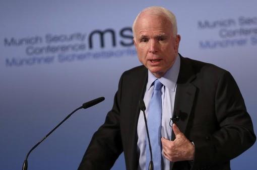 Thượng nghị sĩ John McCain bị chẩn đoán u não