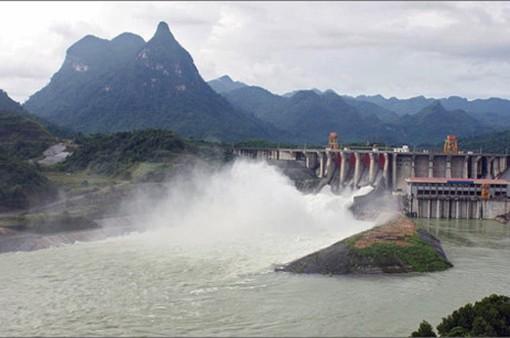 Hồ thủy điện Tuyên Quang mở cửa xả đáy thứ 2