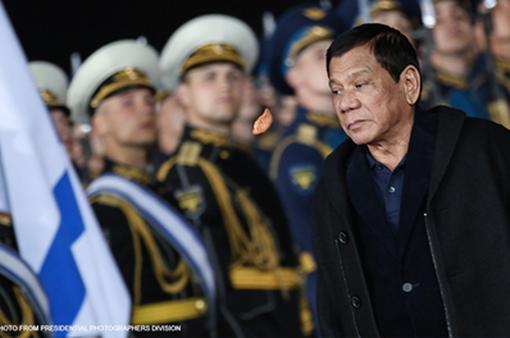 Tổng thống Philippines rút ngắn chuyến thăm Nga