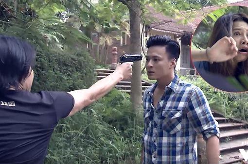 """Tập 37 phim Người phán xử: Không chỉ đứng trước họng súng của """"Mặt sắt"""", Lê Thành còn bị A Lý dí súng vào đầu đe dọa"""