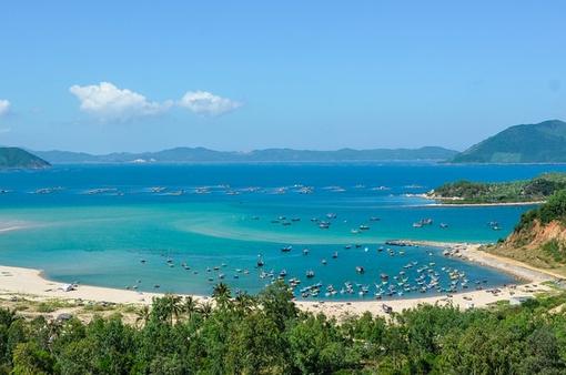 Rong ruổi đất phương Nam: Nét đẹp yên bình trên vịnh Xuân Đài