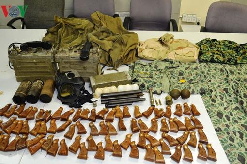 TP.HCM bắt một hành khách mang vũ khí quân sự lên máy bay