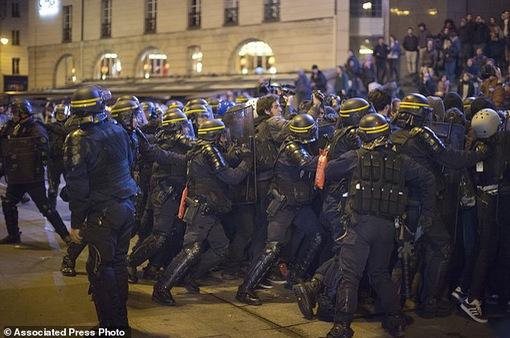 Bạo loạn sau kết quả ban đầu của cuộc bầu cử Tổng thống Pháp
