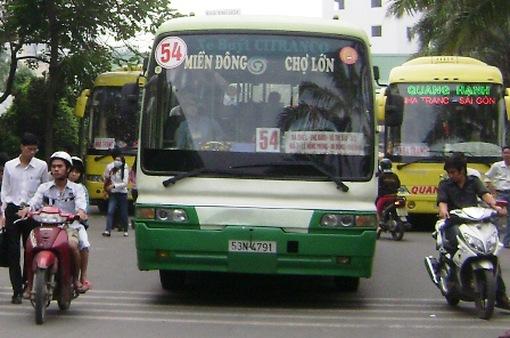 Người dân TP.HCM đi xe bus ngày càng nhiều