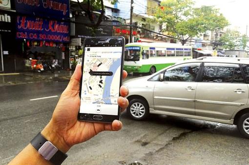 Ngừng cung cấp kết nối xe Grab, Uber dưới 9 chỗ mới tại TP.HCM