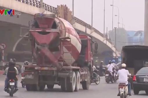 Hà Nội: Xe tải vẫn tung hoành trên các tuyến đường cấm vào giờ cao điểm