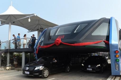 """Xe bus khổng lồ ở Trung Quốc chính thức """"chết yểu"""""""