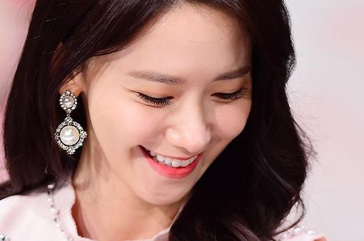 YoonA (SNSD) xinh đẹp trong loạt ảnh hậu trường