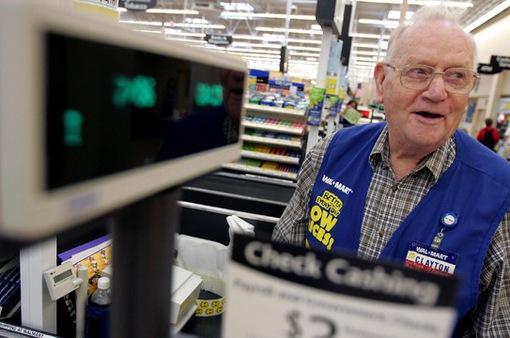 Mỹ: Nhiều người cao tuổi vẫn phải vật lộn mưu sinh hàng ngày