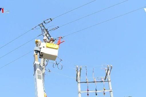"""Công nghệ tiên tiến sửa điện """"nóng"""" để giảm thời gian mất điện"""