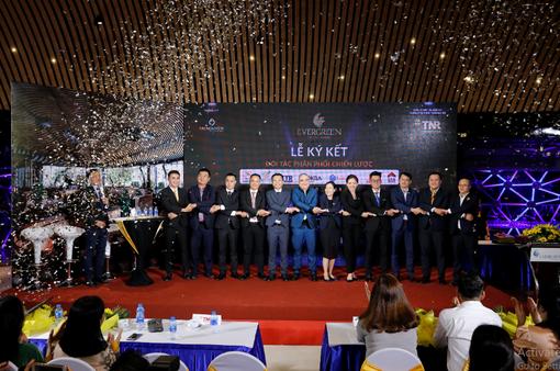 TNR Holdings Việt Nam và 7 nhà phân phối thiết lập quan hệ hợp tác chiến lược siêu dự án EverGreen