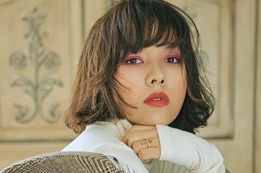 Lee Hyori khoe tóc ngắn cá tính trên tạp chí
