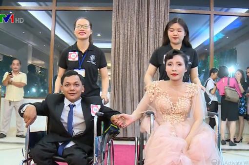 Xúc động đám cưới tập thể của 38 cặp đôi khuyết tật ở TP.HCM