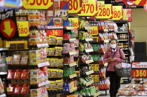 Nhật Bản tìm cách giảm tác động tiêu cực do tăng thuế tiêu dùng