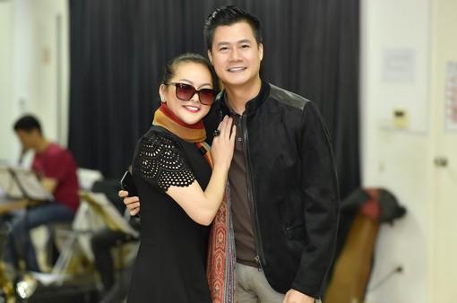 """Như Quỳnh rạng rỡ bên Quang Dũng tập luyện cho """"Đêm tình nhân 5"""""""