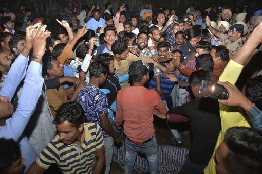 Ấn Độ: Tai nạn tàu hỏa nghiêm trọng, ít nhất 58 người thiệt mạng